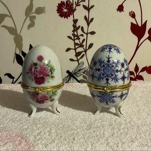 💥🌟💥OFFERS WELCOME 💥🌟💥Set of 2 egg shaped trinket/jewellery holders